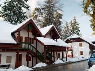 Self catering & ski ticket